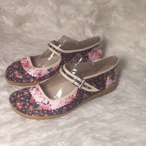New Chocolaticas floral Mary Janes.